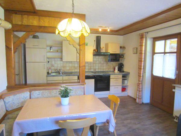 Flat kitchen Terrassenblick